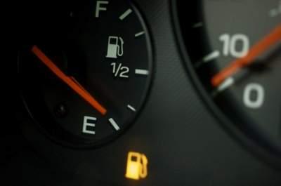 Эти советы помогут доехать до заправки, если заканчивается бензин