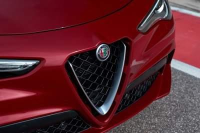 Alfa Romeo анонсировала выпуск нового кроссовера