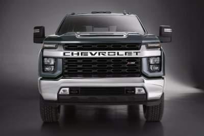 Chevrolet показала брутальный пикап Silverado