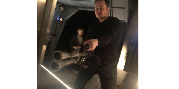 Илон Маск стал героем нового мема